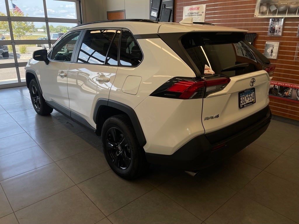 Used 2019 Toyota RAV4 XLE with VIN 2T3P1RFV3KW026934 for sale in Monticello, Minnesota